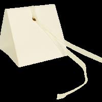 Κουτί Κορδέλα, Εκρού